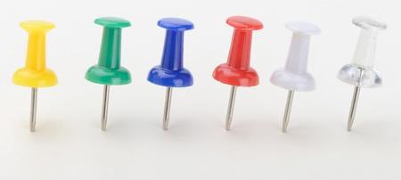 plano: Pin or multicolored markers