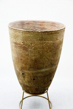 neolithic: Artefactos de cer�mica neol�tica de Corea Foto de archivo
