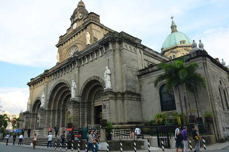 MANILA, PH - OCT. 5: Manila Cathedral church facade at Intramuros walled city on October 5, 2019 in Manila, Philippines. 版權商用圖片 - 140913688