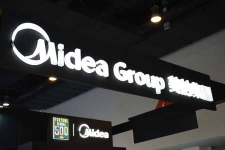 PASAY, PH - JULY 26 - Midea Group sign at Philauto show on July 26, 2019 in Pasay, Philippines. Éditoriale
