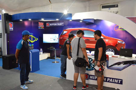 PASAY, PH - APR 7 - Nippon paint booth at Manila International Auto Show on April 7, 2019 in Pasay, Philippines. 新聞圖片