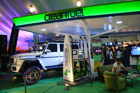 PASAY, PH - APR 7 - Clean fuel booth at Manila International Auto Show on April 7, 2019 in Pasay, Philippines. 新聞圖片