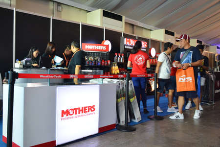 PASAY, PH - APR 7 - Mothers booth at Manila International Auto Show on April 7, 2019 in Pasay, Philippines. 新聞圖片