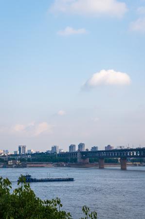 Wuhan Yangtze River Bridge Editorial