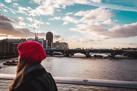 millennium: Photo of Girl crossing Millennium Bridge in London