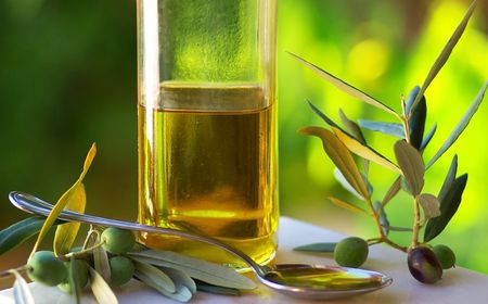 hoja de olivo: Aceite de oliva y aceitunas.