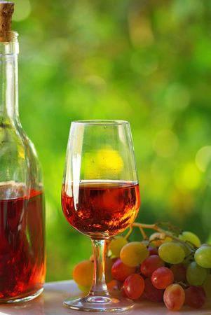 taster: Portuguese rose wine and grapes.