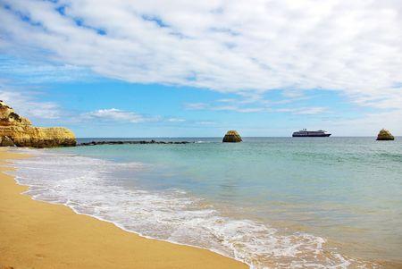 rocha: Rocha beach, Algarve, Portugal.