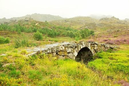 castro: Old Roman bridge, Castro de Laboreiro, north of Portugal.