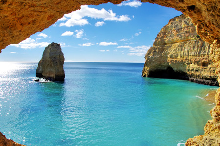 rock formations on the Algarve coast, Portugal  스톡 콘텐츠