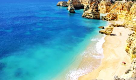 barlavento: Rocky cliffs on the coast of the Atlantic ocean, Algarve, Portugal