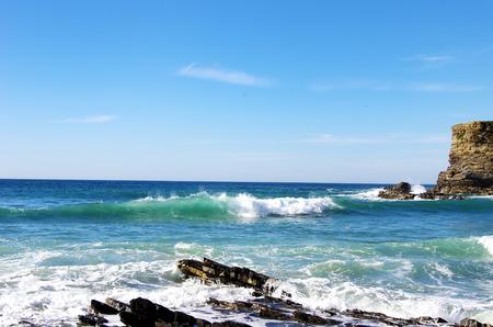 mare agitato: Onda sul mare portoghese