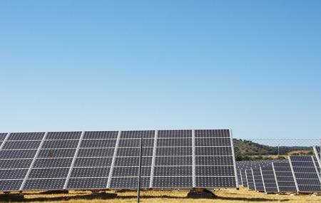 Fotovoltaïsche panelen, alternatieve elektriciteitsbron Stockfoto
