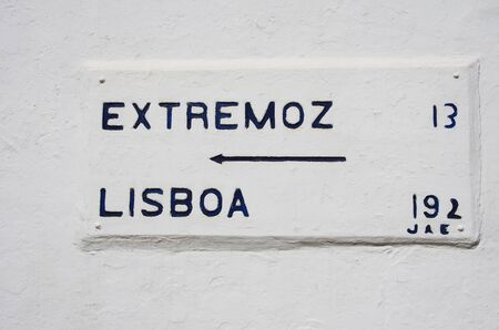 old road sign information in south of Portugal Standard-Bild - 131221502