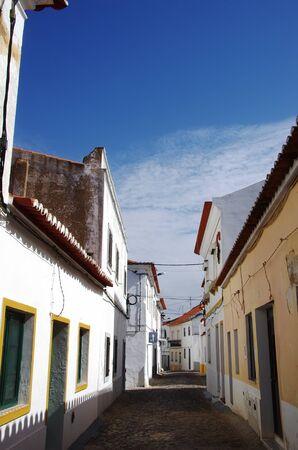 street of Moura village, alentejo, Portugal Standard-Bild - 137840068