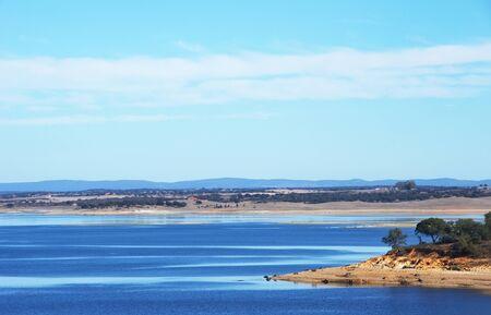 landscape of alqueva lake, south of Portugal Standard-Bild - 137840072