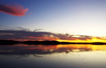 sunset landscape in Alqueva lake Standard-Bild - 138461408