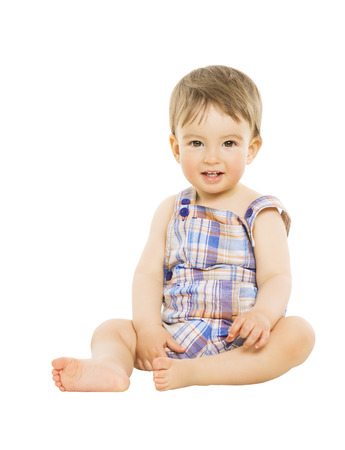 Little boy bambino Hapy sorridente, bambino seduto su sfondo bianco isolato Archivio Fotografico - 28389496