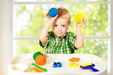 niño modelo: Kid Juego de modelado de plastilina, Moho colorido Arcilla Masa, Preescolar Educación