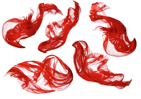 moda ropa: Tela fluye Cloth Wave, Rojo Saludar con la mano Seda Flying Textil, satén en el fondo blanco aislado Foto de archivo