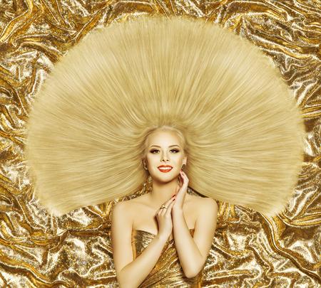 tissu or: Hair Style Mannequin, Femme Coiffure Cheveux longs Cheveux raides, Fille sur Golden couleur
