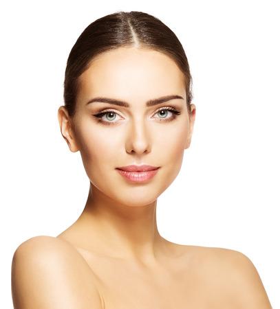Cara de belleza de la mujer, retrato de maquillaje modelo hermosa, joven maquillaje aislado más de blanco