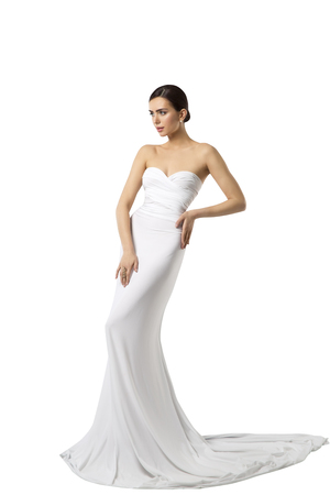 패션 모델 웨딩 드레스, 여성 뷰티 가운, 긴 실크 옷, 흰색 배경 위에 절연