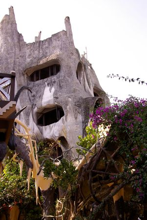 idiosyncratic: The crazy house (Hang Nga tree villa) in Dalat in Vietnam Stock Photo