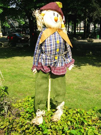discourage: A scarecrow of straw