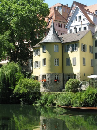 half  timbered: Half timbered houses in pastel colors upon the Necktar in Tuebingen in Germany