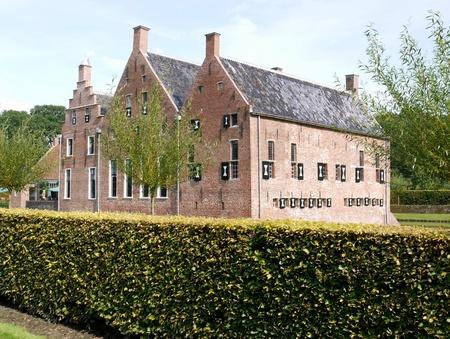 Menkemaborg zamek w Uithuizen w Holandii