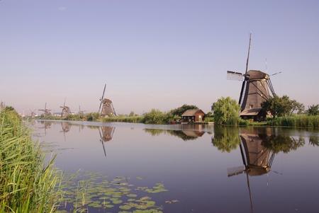 watermill: Los molinos de viento en Kinderdijk en los Pa�ses Bajos