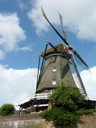 octogonal: Un molino de viento octogonal en Zuid-Holland en los Pa�ses Bajos