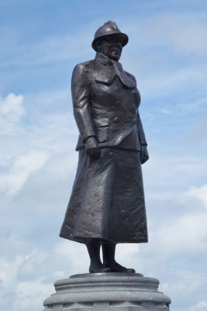 wilhelmina: Statue of Queen Wilhelmina of the Netherlands in Noordwijk