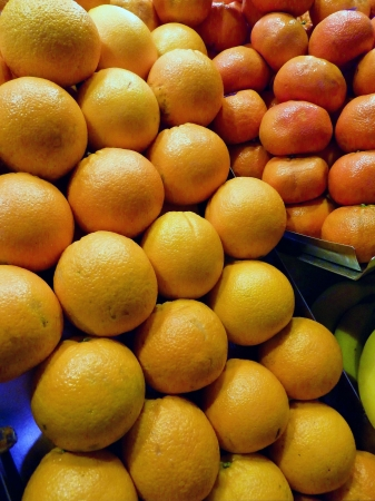 Oranges and tangerines at the greengrocer on the market place Stock Photo - 16634998