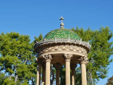 bandstand: Bandstand for musical performances with a green roof in a park in Lecce in Italy Stock Photo
