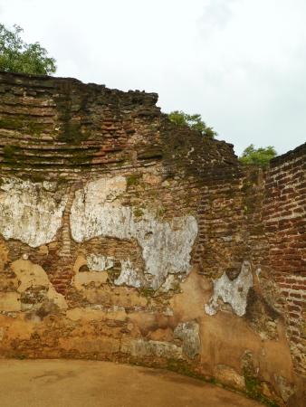 vihara: The remains of the pothgul vihara the library in the ancient city Polonnaruwa in Sri Lanka