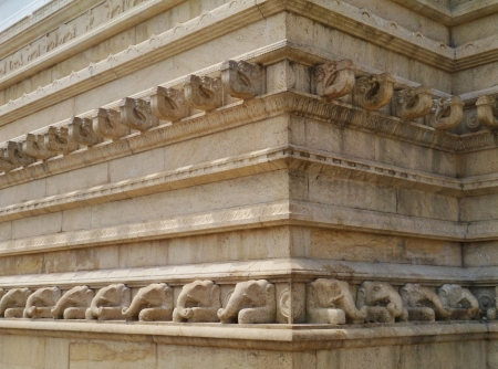 dagoba: The ruvanveli dagoba in the ancient capital  Anuradhapura in Sri Lanka