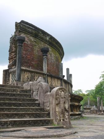 The historic Vatadage  a ruin of a stupa in Polonnaruwa in Sri Lanka Stock Photo - 18133310