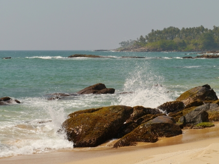 The Indian ocean with waves and breakers on the coast of Sri Lanka Stock Photo - 18229857