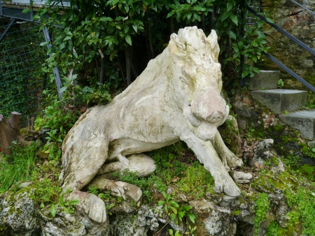 garzoni: One of the sculptures in the garden of the villa Garzoni in Collodi in Italy