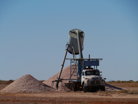 chrystals: Equipment in an Opal mines in Coober Pedy in the outback of Australia Stock Photo