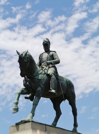 king edward: A statue of King Edward VII in the Queen Victoria gardens in Melbourne in Australia