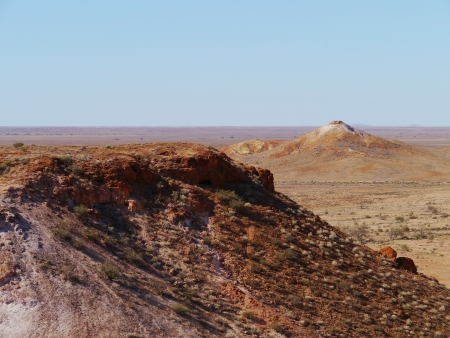 mesas: A striking rocky landscape of flat topped mesas called the breakaways