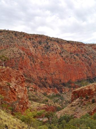 ranges: La gola Ormiston in Occidente Mcdonnell spazia nei Territori del Nord in Australia Archivio Fotografico