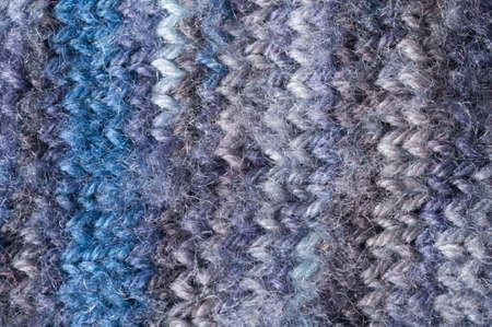 lila: knitting, close up