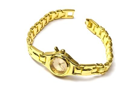 Orologio da polso di donna dorato isolato su sfondo bianco