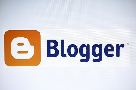 Blogger website display on cmputer screen Stock Photo - 15078840