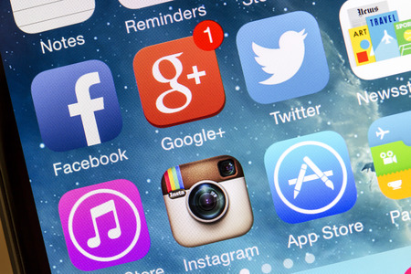 Social media icons on Iphone 5s