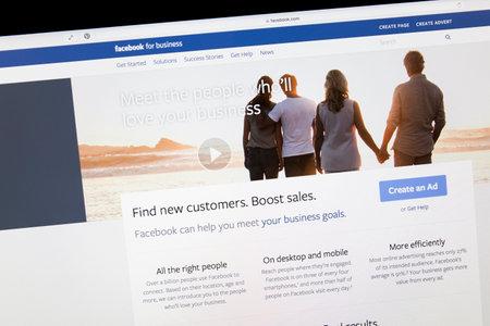 コンピューターの画面上の Facebook のビジネス ページをクローズ アップ。Facebook は、web 上最大のソーシャル メディア ネットワークです。